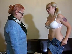 couple-lesbian-masturbation-old and young