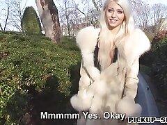 amateur-blonde-blowjob-cash