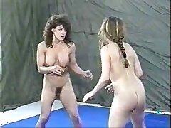 facesitting-lesbian-wrestling