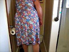 mature-older woman-peeing